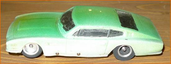 dbs-slot-car-2-cadre.jpg