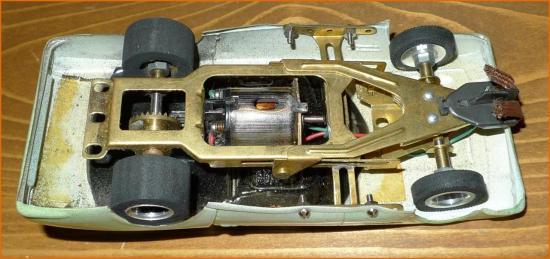dbs-slot-car-8-cadre.jpg